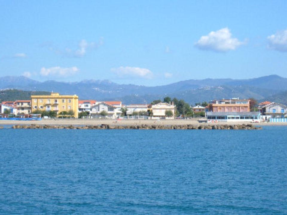 Marina di Casal Velino vista dal mare