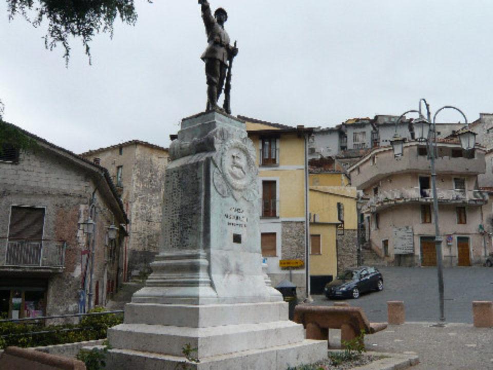 Monumento ai caduti di Sanza