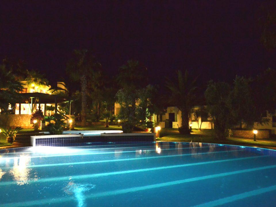piscina notturna 2