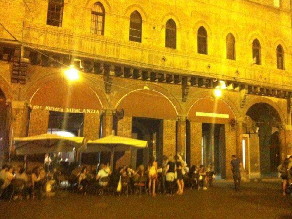 Bologna, Emilia-Romagna21-italytravelaccomodations.com