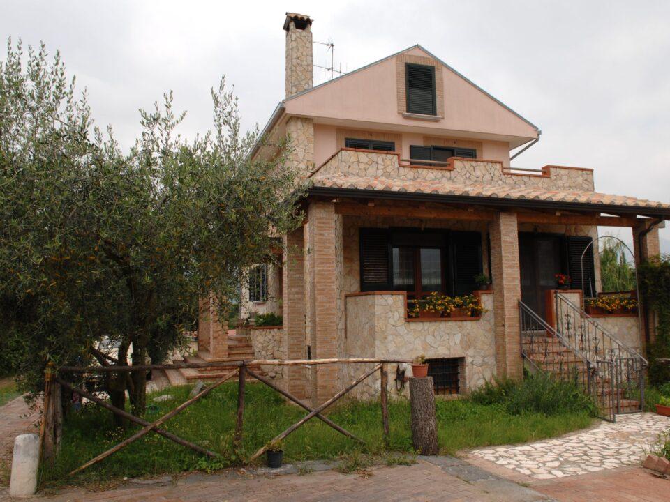 Agriturismo Il Salice-Italytravelaccomodations.com