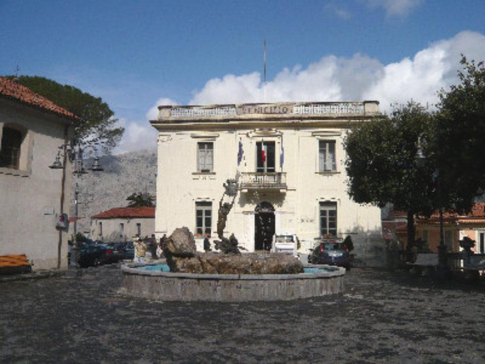 Maratea centro storico Municipio